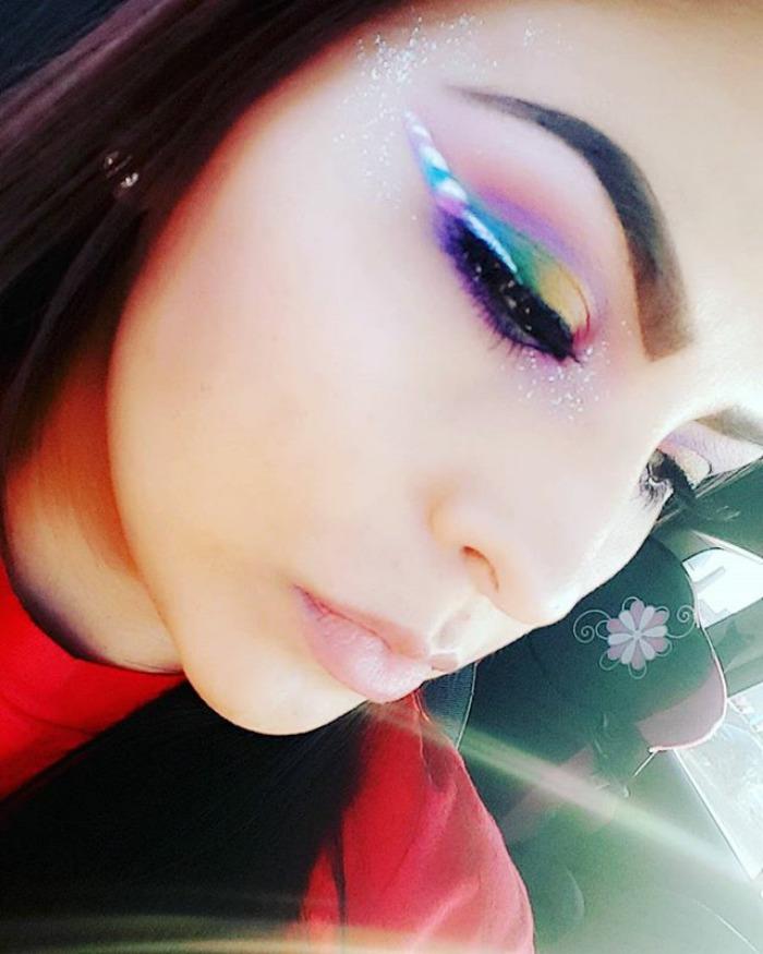 Kreska W Stylu Jednorożca To Jeden Z Nowych Trendów W Makijażu Jak